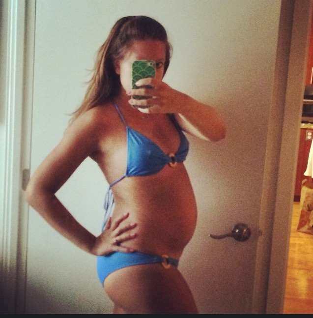 25-week-baby-bump-bikini-pregnancy-goals