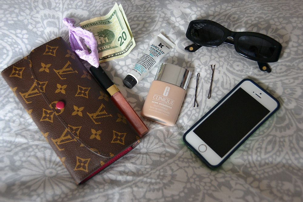 whats-in-my-bag-mom-products-lifestyle-blog-must-haves-for-new-moms