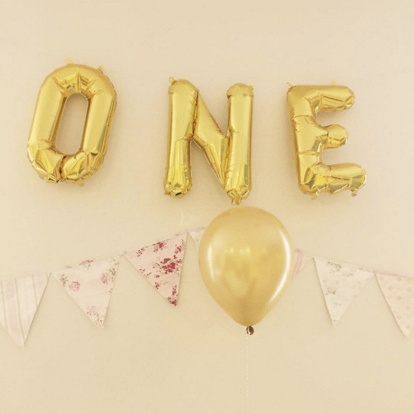 baby-s-first-birthday-decor-ONE-balloons-pink-gold-pinterest-parties
