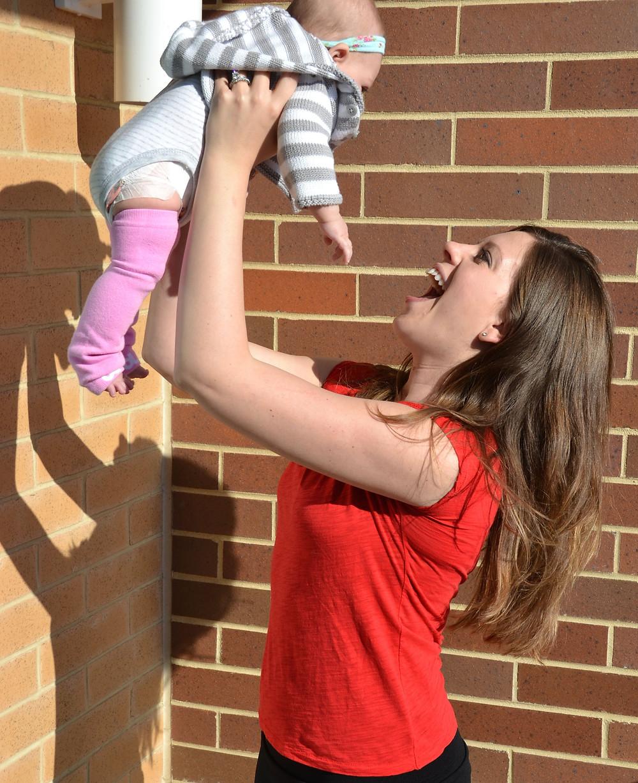 hands-down-best-maternity-leggings-postpartum-fashion-mom-blogger