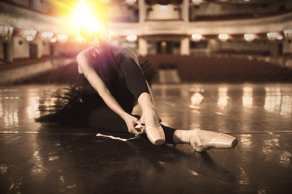 Putting on Ballet Slippers_edited.jpg