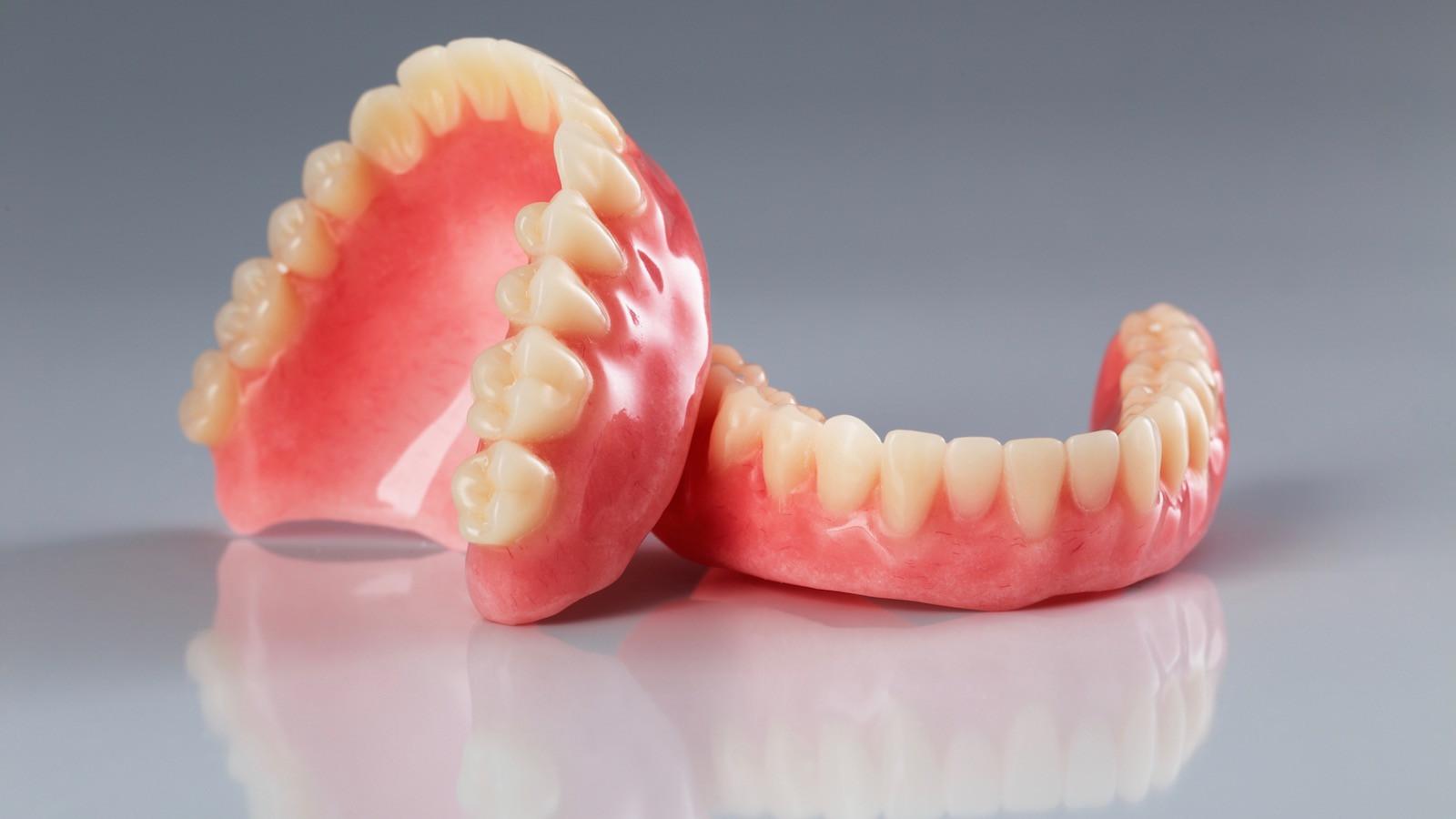 protesi-dentali-dentiere.jpg