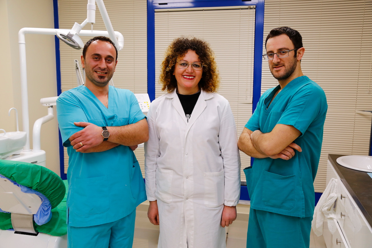 Medici dentisti in Albania