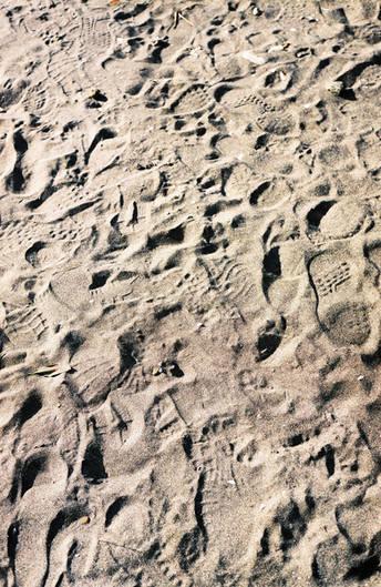 Footprints on the ground at Kamakura.