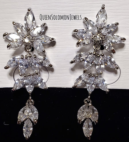 Diamond Plant Studd Earrings