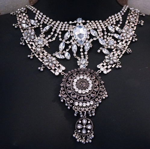 'Yonce Inspired Vogue Piece Necklace