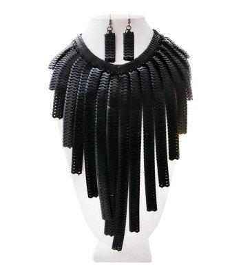 Necklace Black Swan