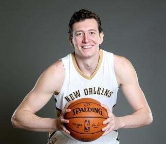 Omer Asik, Pelicans