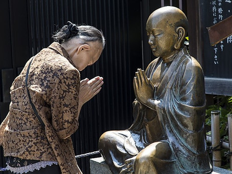 Reflection: Only after 20 years do I realize  how to bow to the Buddhas