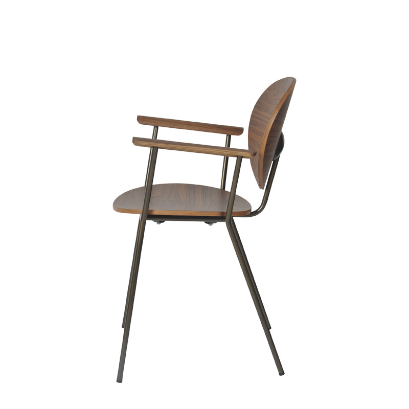 Ovni Arm Chair Side View