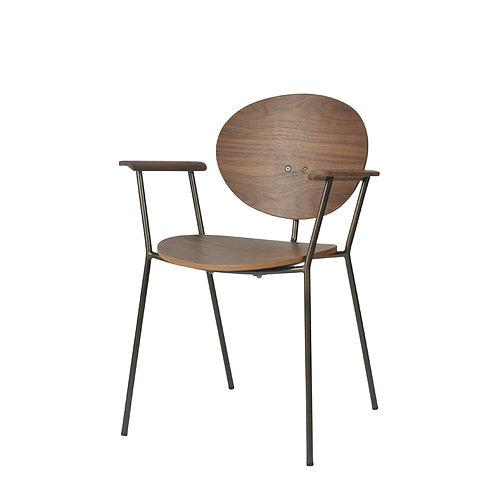 Ovni Arm Chair Front Quarter View