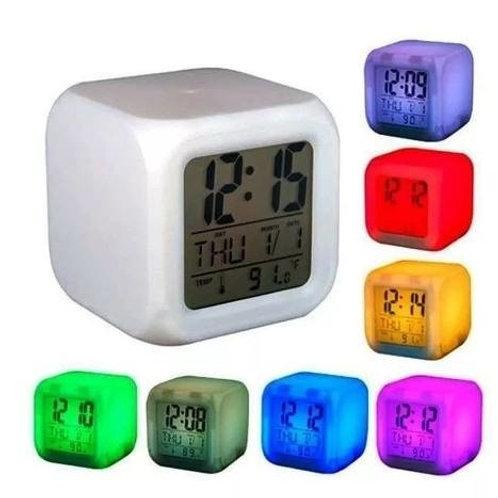 Reloj despertador cubo con luces