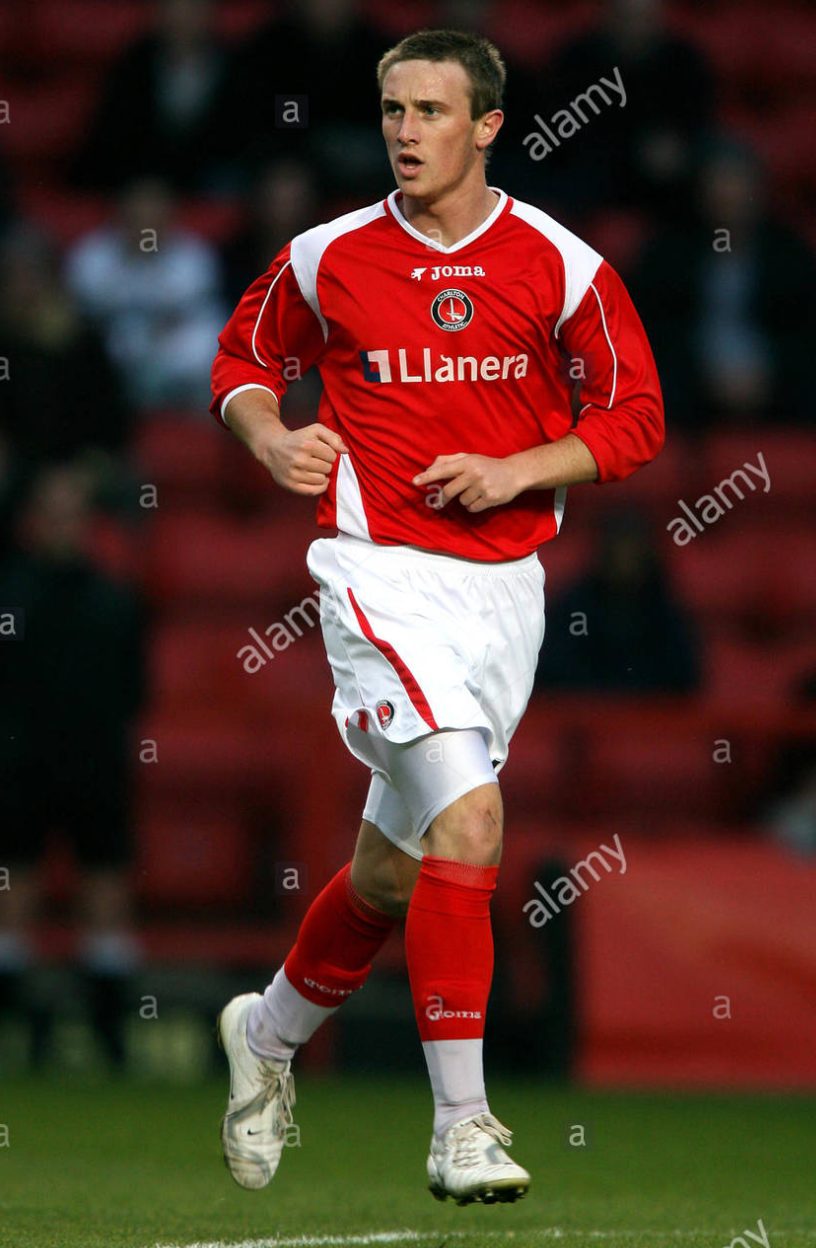 Jon Kurrant running to get into space at The Valley Stadium