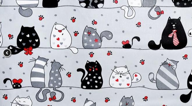Tissu avec des chats sur fond gris (A-11)