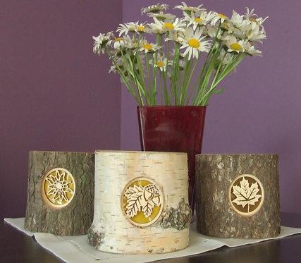 Bougeoir photophore en rondin de bois avec motif translucide