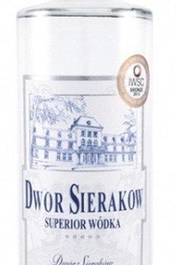 Vodka blanche DWOR SIERAKOW produite en quantité limitée