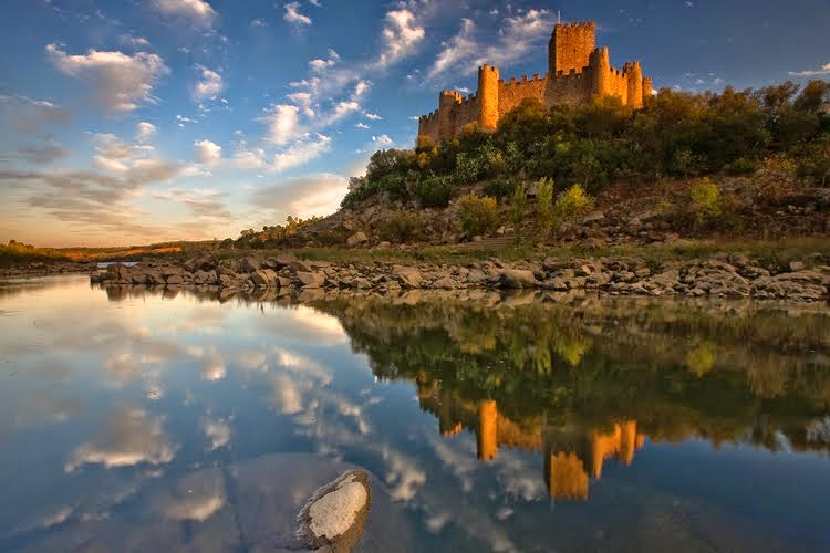 castelo de almourol_rio tejo_paraisos_portugal_paisagens_santarem_ribatejo_httpdicasfemininas-su.blo