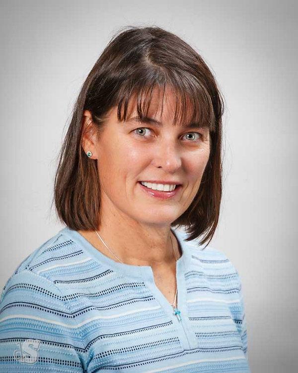 Dr-Mary-Neal_4865-800px.jpg