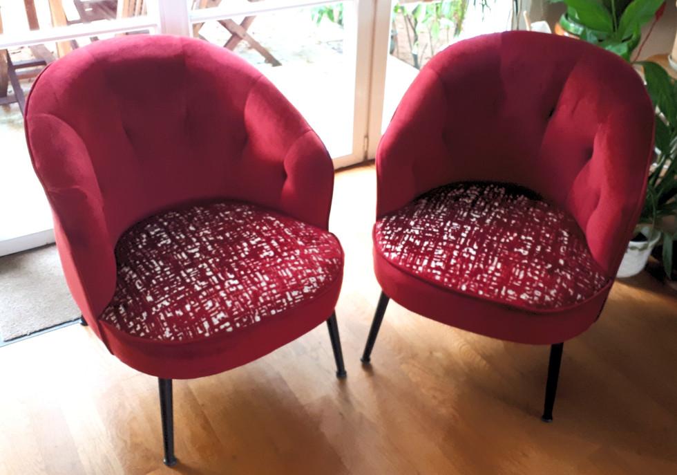Paire de petits fauteuils