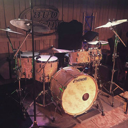 One of Zack Stewart's (Josh Thompson) live kit's with his Beier 1.5 Steel--6.5 x 15....~