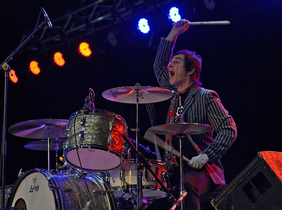 Brad Elvis-The Handcuffs-The Romantics-Beier 1.5 Steel--6.5 x 14. Photo-Tim Lindenbaum