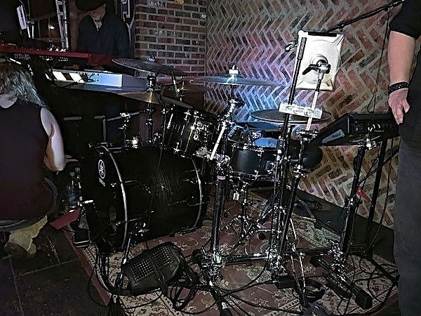 Steve Maciver's kit with his main-The Be