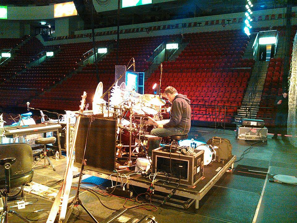 Mike Zimmerman at sound check-Kenny Rogers Christmas Tour-2016-1.5 Steel--6.5 x 14...