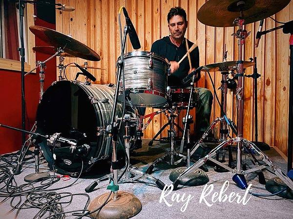 Ray Rebert (Dustin Sonnier) in session i