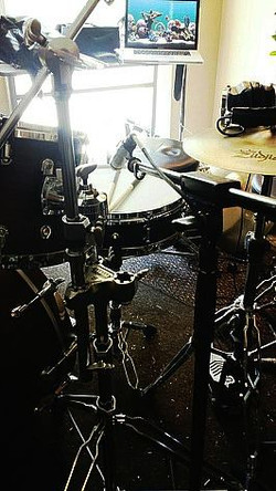 Eddie Bayers-One of the world's most recorded drummers-Studio shot with his Beier 1.5 Steel--4 x 15.