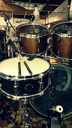 Eddie Bayers kit in the studio with one of his main drums-Beier 1.5 Steel--5.5 x 14....
