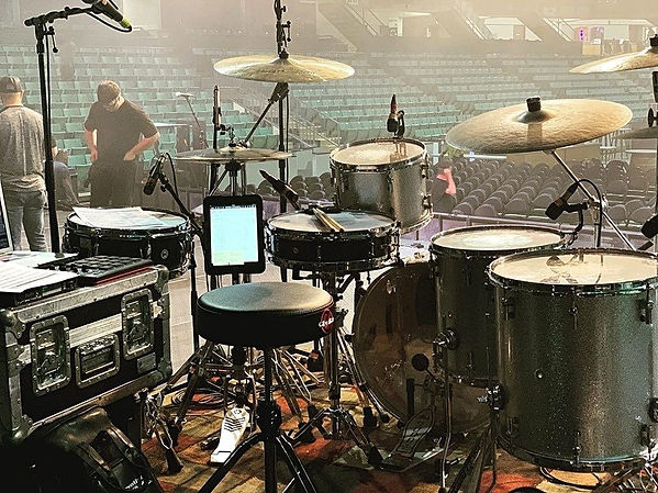 Brendan Lyons (Independent) live kit....