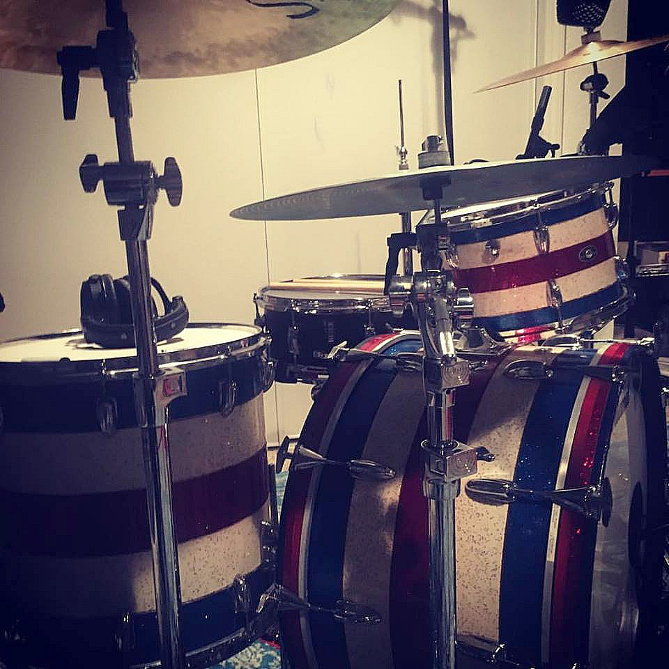Tommy Rickard's (Scott Weiland,Vain) kit in the studio with his Beier 1.5 Steel-5.5 x 14-Summer 2017