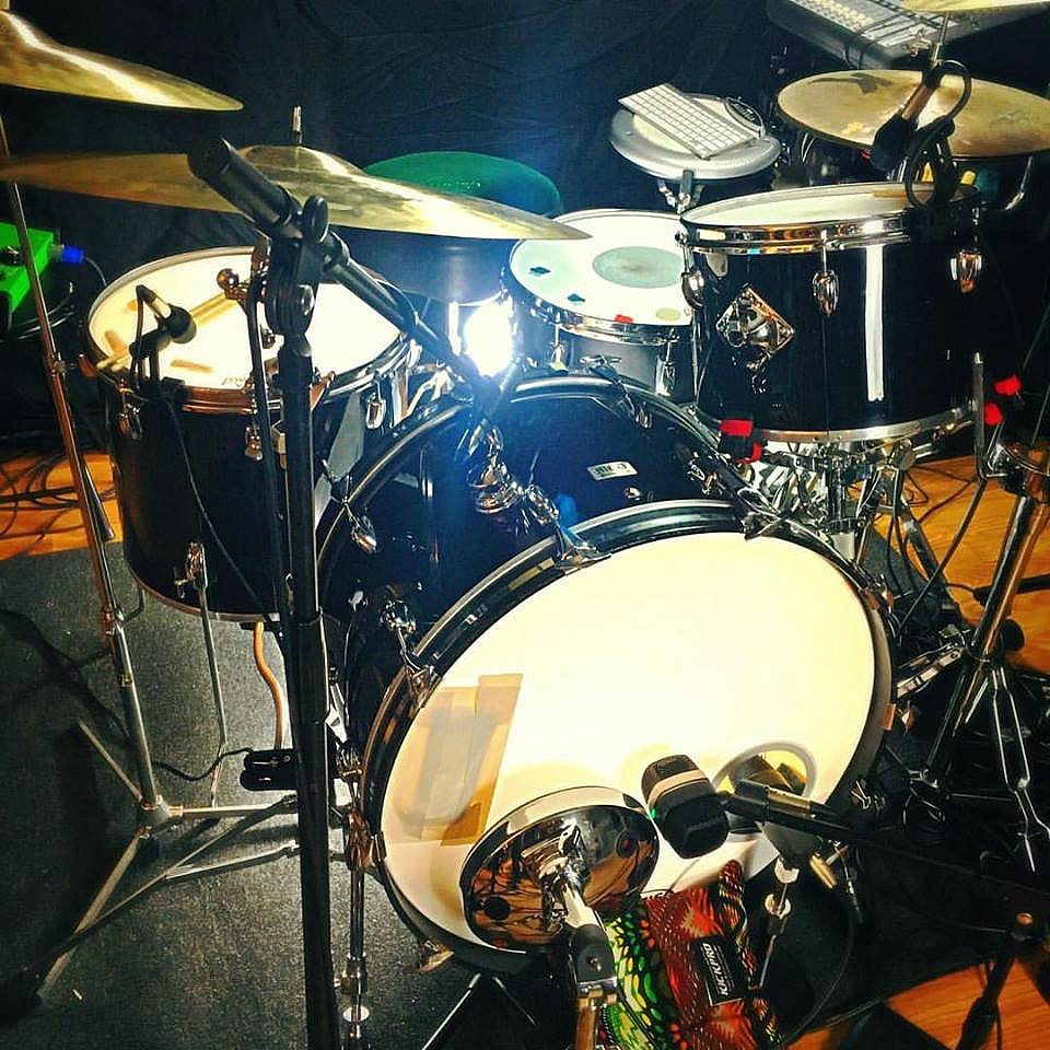 Mike Dawson's kit in the studio in New York-Tracks for Dayan-Beier 1.5 Steel--6.5 x 15....