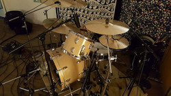 Great overhead of Chad Melchert's kit for a session with vintage Ludwigs & his 1.5 Steel--4 x 15-~