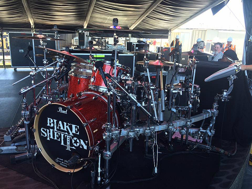 Tracy Broussard's new Pearl kit-Blake Shelton-2017-Daytona Int'l Speedway-Beier 1.5 Steel--6.5 x 14~