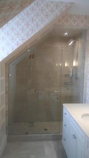 Shower door (6).jpg