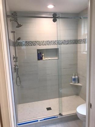 Shower door (5).jpg