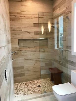 shower doors (14).jpg
