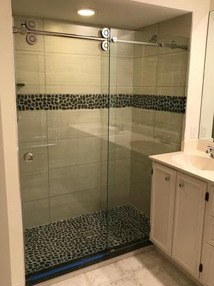 Shower door (8).jpg