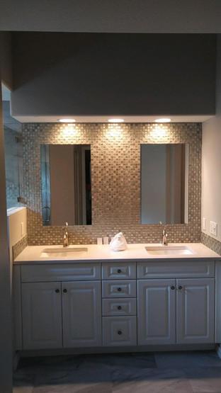 mirror bathroom.jpg
