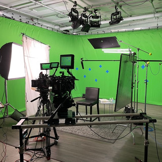 Gemini 1x1 Prelit Green Screen