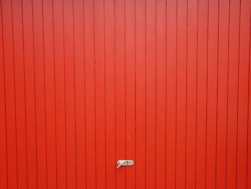 Garaje Puerta roja