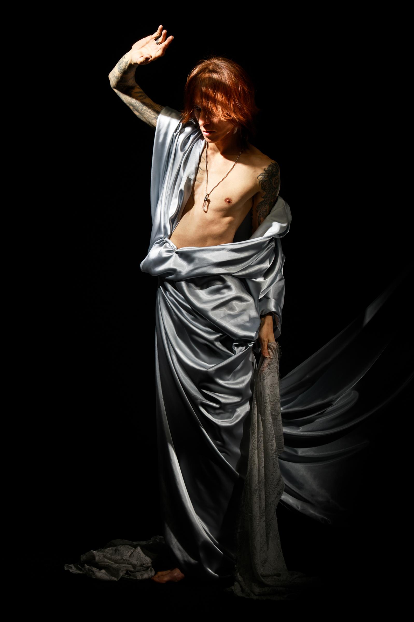 Model:SUGIZO
