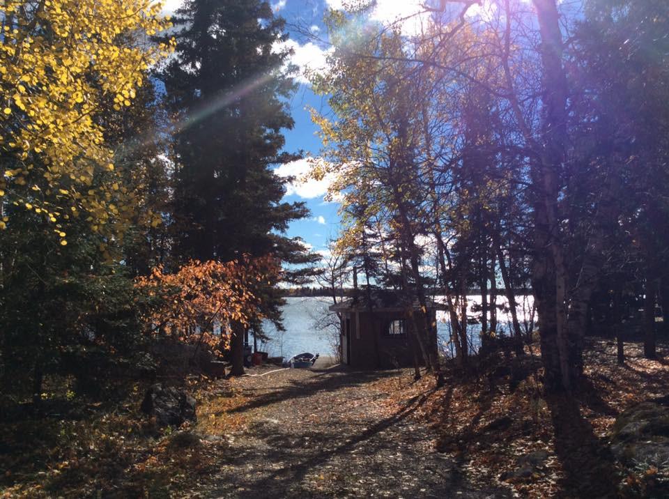 Cabin rental Fishing Lodge northern manitoba rocky Lake