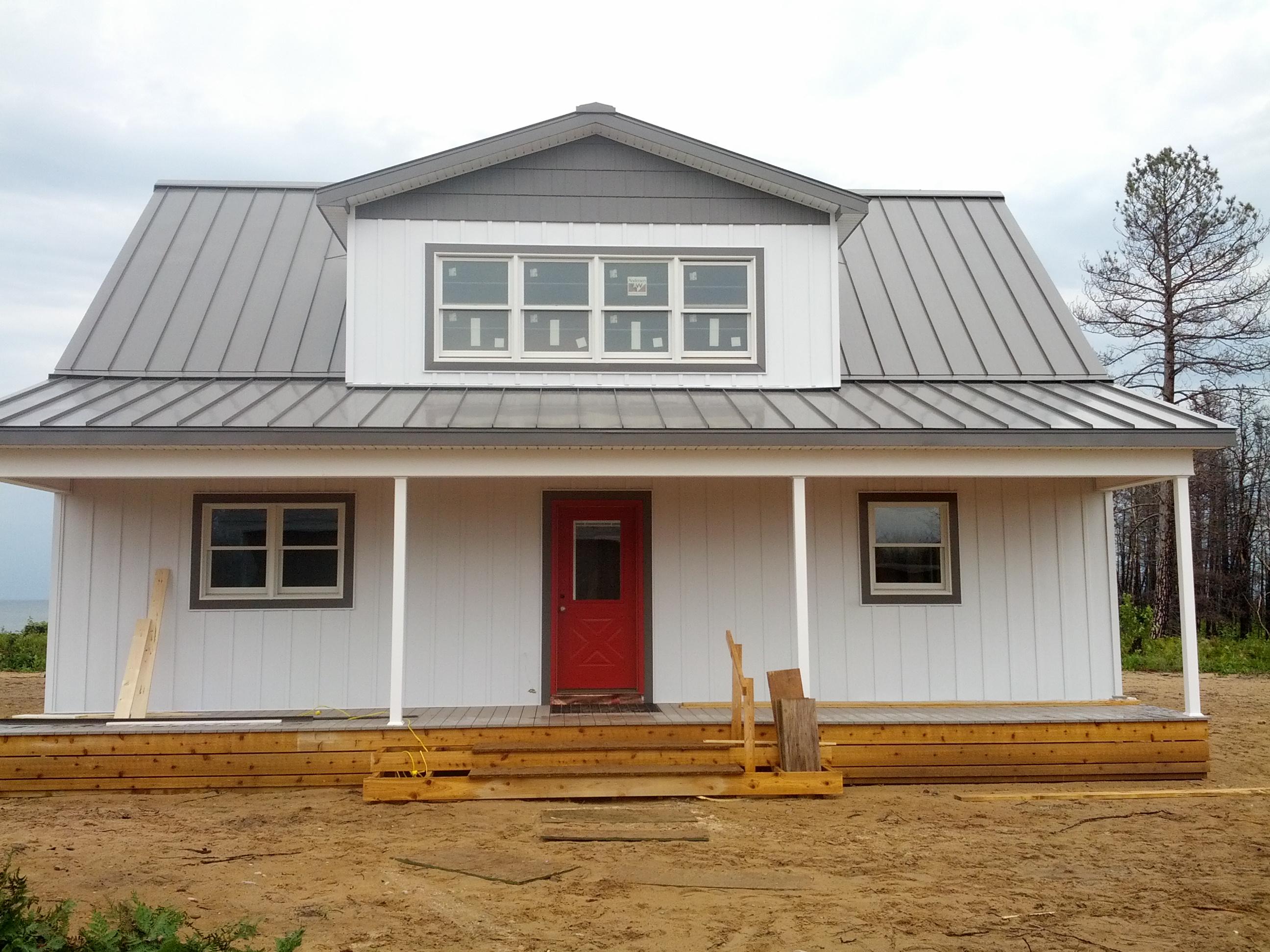 Husky Metal Roofs - Standing Seam Gray