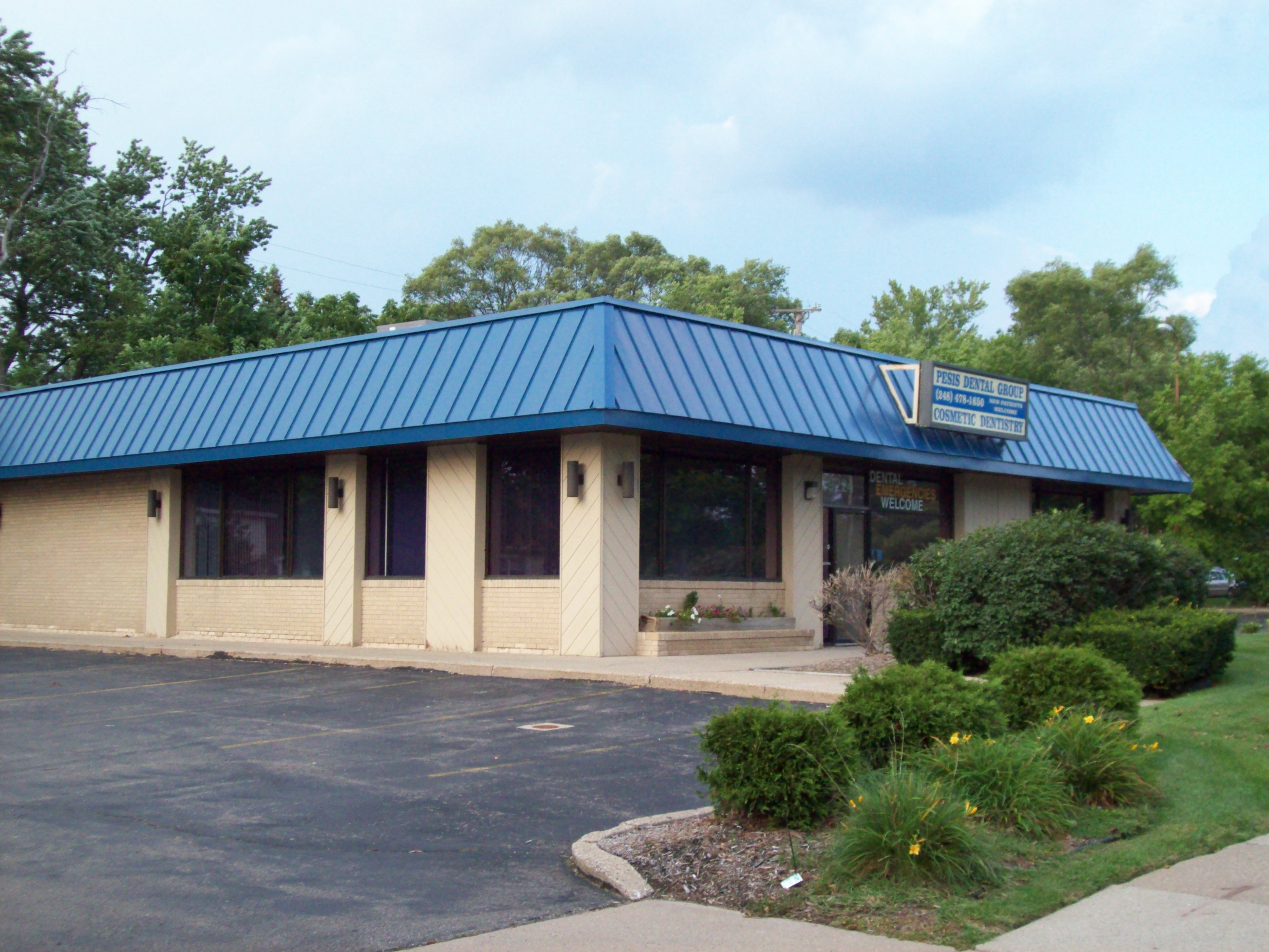 Huksy Metal Roofs - Standing Seam Commercial Office