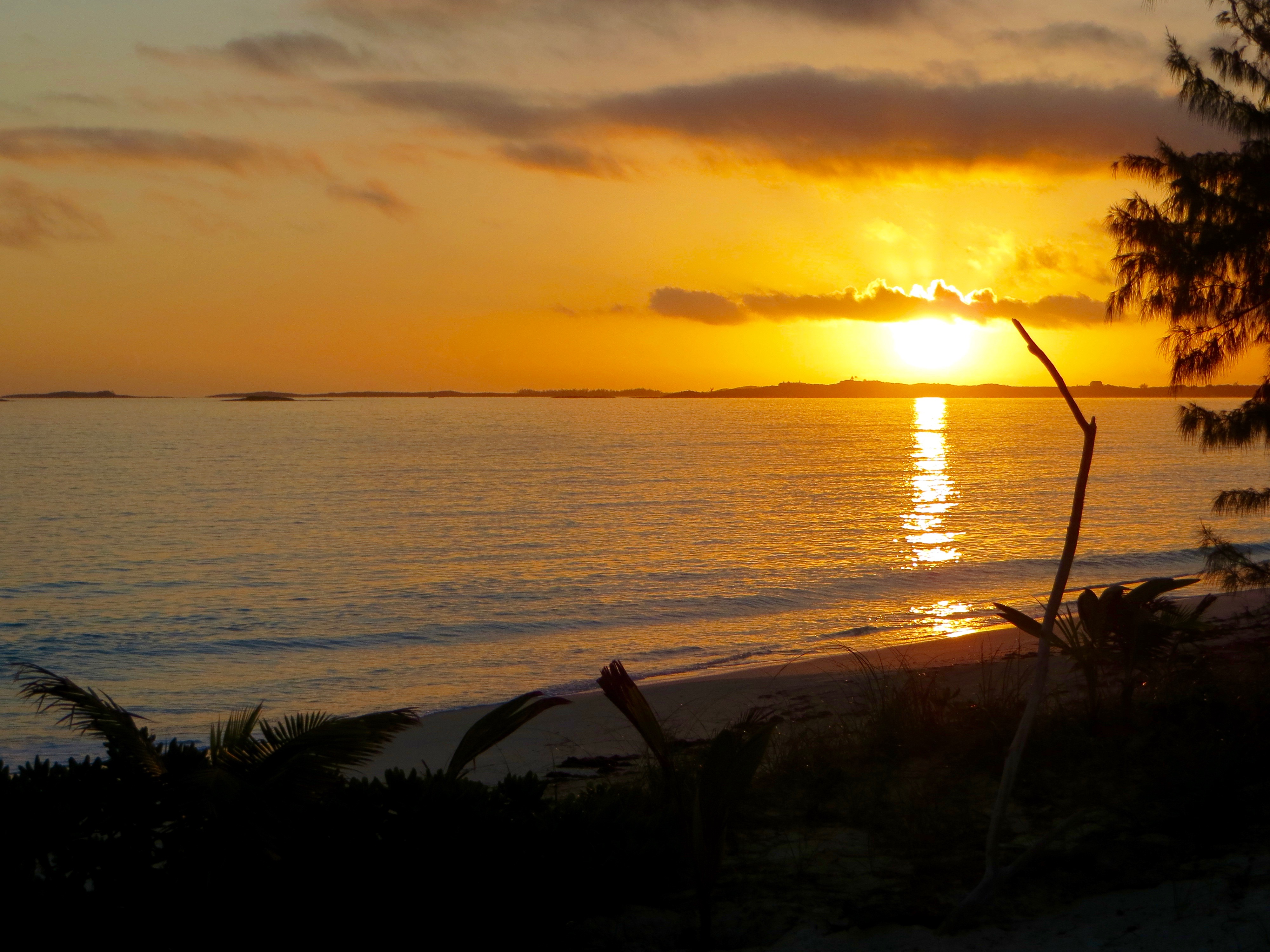 Sunrise at Beach house rental Exuma