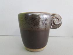 Tasse à café anse spirale