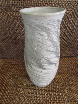 Vase strié