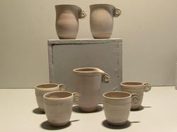 Tasses et mugs déformés ansés